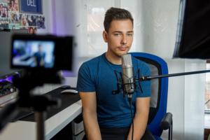 ganar dinero por internet como youtuber